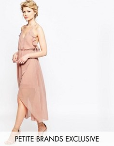 Платье на тонких бретельках с запахом и оборками True Decadence Petite - Розовый
