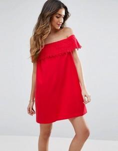 Сарафан с открытыми плечами и кружевом ASOS - Красный