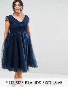 Платье с цветочной аппликацией и юбкой из тюля Chi Chi London Plus - Темно-синий