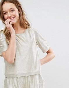 Укороченная футболка с эффектом металлик Monki - Золотой