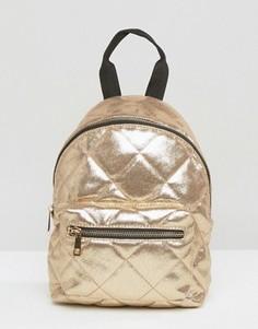 Стеганый рюкзак с оттенком металлик ASOS - Золотой