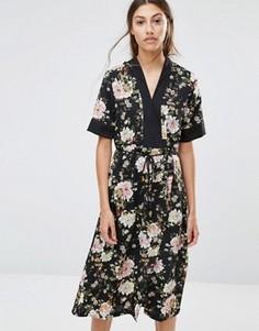 Платье миди с цветочным принтом Vero Moda - Черный