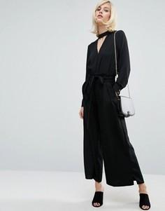 Брюки с широкими штанинами, свободной талией и поясом Fashion Union - Черный