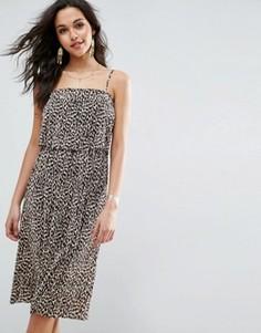 Платье миди с кроп-топом и леопардовым принтом ASOS - Мульти