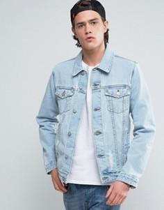 Светлая джинсовая куртка с рваной отделкой ASOS - Синий