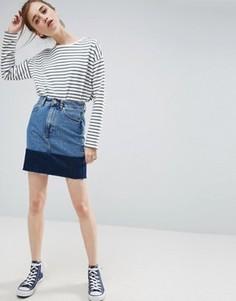 Джинсовая мини-юбка с контрастным подолом ASOS - Синий