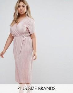 Плиссированное платье с запахом и поясом Club L Plus - Розовый