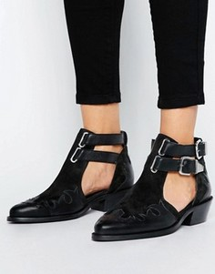 Кожаные ботинки в стиле вестерн с вырезами ASOS ARROW - Черный