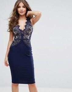 Платье миди с фигурным кружевом и глубоким вырезом Rare London - Темно-синий