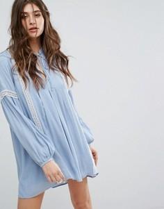 Свободное платье с длинными рукавами, завязкой и кружевными вставками Endless Rose - Синий