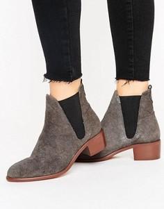 Замшевые ботинки челси на среднем каблуке H by Hudson - Серый