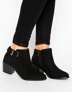 Ботинки на каблуке с пряжкой Head Over Heels - Черный