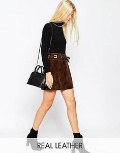 Замшевая юбка-трапеция с квадратными люверсами ASOS - Коричневый