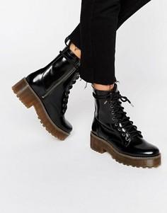 Массивные лакированные ботинки на шнуровке Monki - Черный