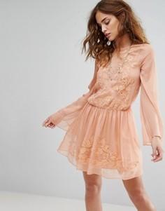 Платье The Jetset Diaries Melita - Розовый