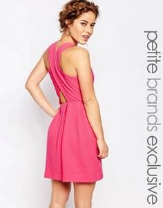 Платье без рукавов с перекрестными лямками сзади John Zack Petite - Розовый