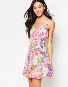 Короткое приталенное платье с цветочным принтом Madam Rage - Мульти