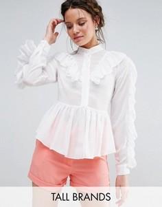 Блузка с оборками True Decadence Tall - Белый