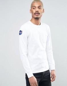 Белый лонгслив с карманом Alpha Industries NASA - Белый
