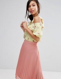 Топ с открытыми плечами и цветочным принтом Fashion Union - Желтый