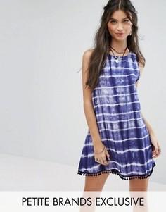 Цельнокройное платье без рукавов с принтом тай-дай и помпонами Glamorous Petite - Мульти