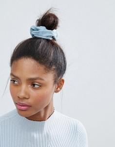Джинсовая резинка для волос Monki - Синий
