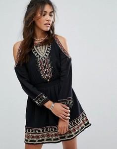 Платье с открытыми плечами и вышивкой Abercrombie & Fitch - Мульти
