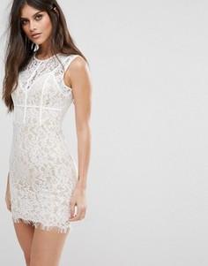 2d3280d029efdf4 Кружевное платье мини с мелкой бахромой по краю и кантом NaaNaa - Белый