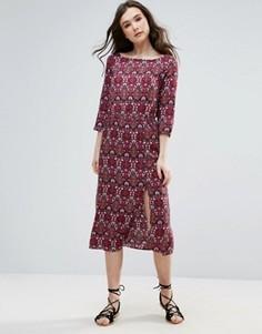 Платье миди с принтом и разрезом Vero Moda - Красный