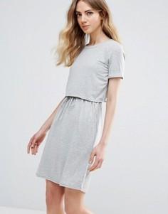 Двухслойное короткое приталенное платье Ichi - Серый