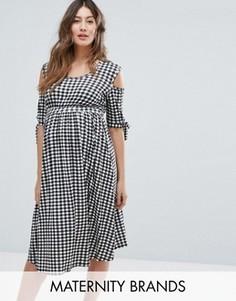 Короткое приталенное платье в клеточку с открытыми плечами Bluebelle Maternity - Черный
