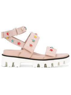 сандалии с ремешками и заклепками-звездами  Red Valentino