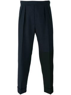 брюки со складками Lardini