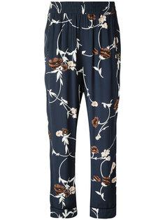 брюки с цветочным принтом Ganni