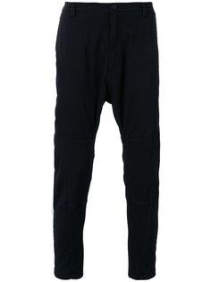 брюки с заниженной проймой и лямками сзади Helmut Lang