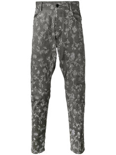 джинсы с заниженным шаговым швом и вышивкой  Unconditional