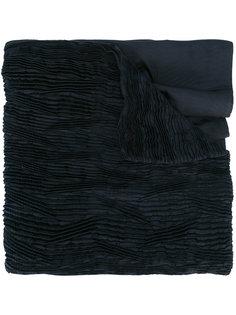 шарф с плиссировками Issey Miyake