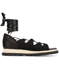 сандалии с лентой на щиколотке Sacai