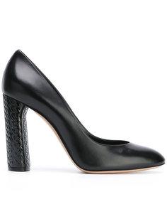 туфли с миндалевидным носком Casadei