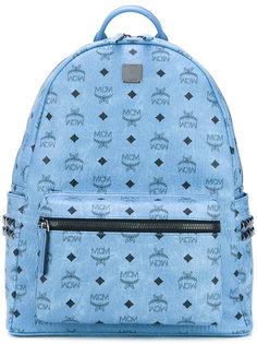 рюкзак с заклепками и принтом-логотипом MCM
