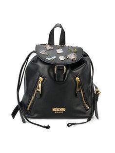 рюкзак со значками Moschino
