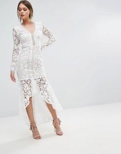 Кружевное платье с длинными рукавами и оборкой на подоле Love Triangle - Белый