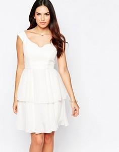 Платье с широким вырезом и оборками на юбке VLabel Eltham - Белый