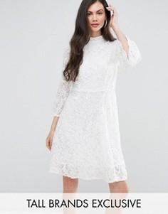 Короткое кружевное приталенное платье Y.A.S Studio Tall Kanna - Белый