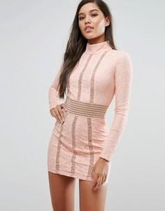 Кружевное платье-футляр с сетчатыми вставками Rare London - Розовый