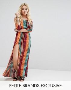 Платье макси с открытыми плечами, ацтекским принтом и разрезом Glamorous Petite - Мульти