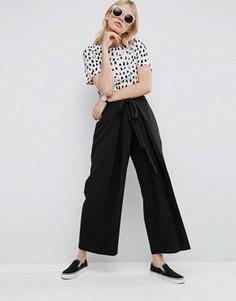 Плиссированные брюки с завязкой на поясе ASOS - Черный