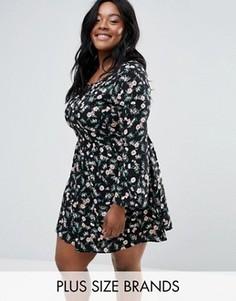 Cвободное платье с цветочным принтом Yumi Plus - Черный
