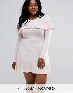 Короткое приталенное платье с оборками Club L Plus - Розовый