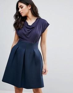 Короткое приталенное платье с драпированным топом Closet London - Темно-синий